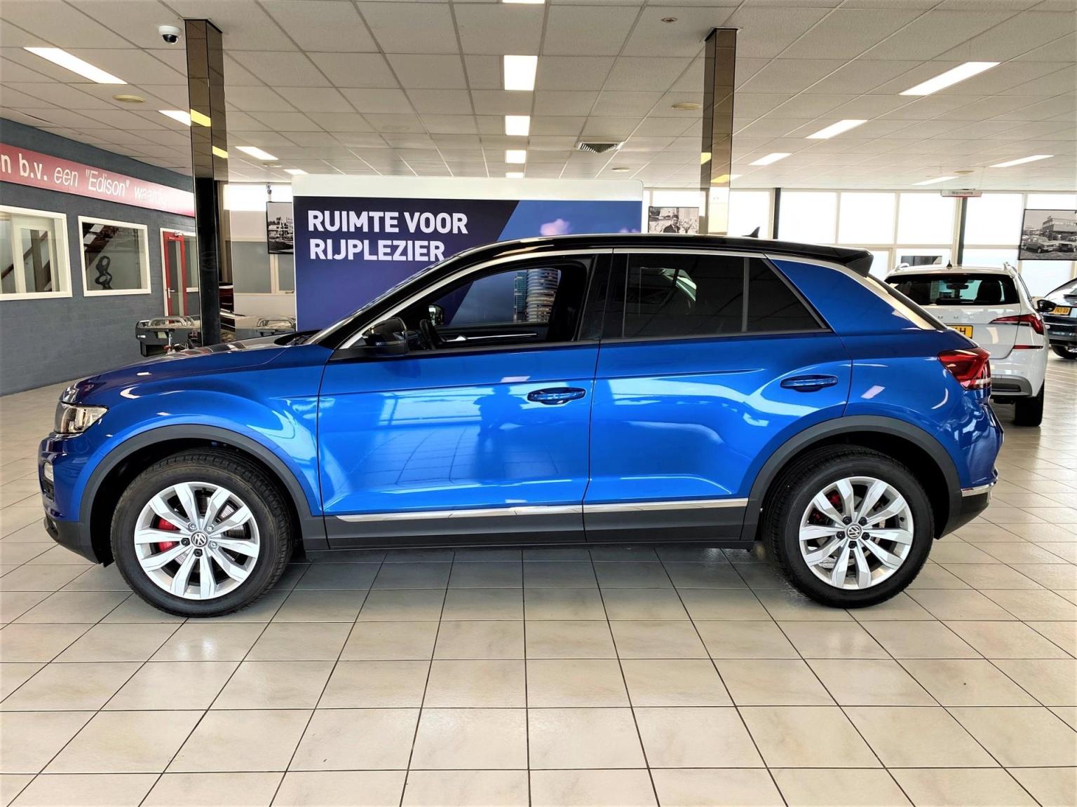 Volkswagen-T-Roc-1